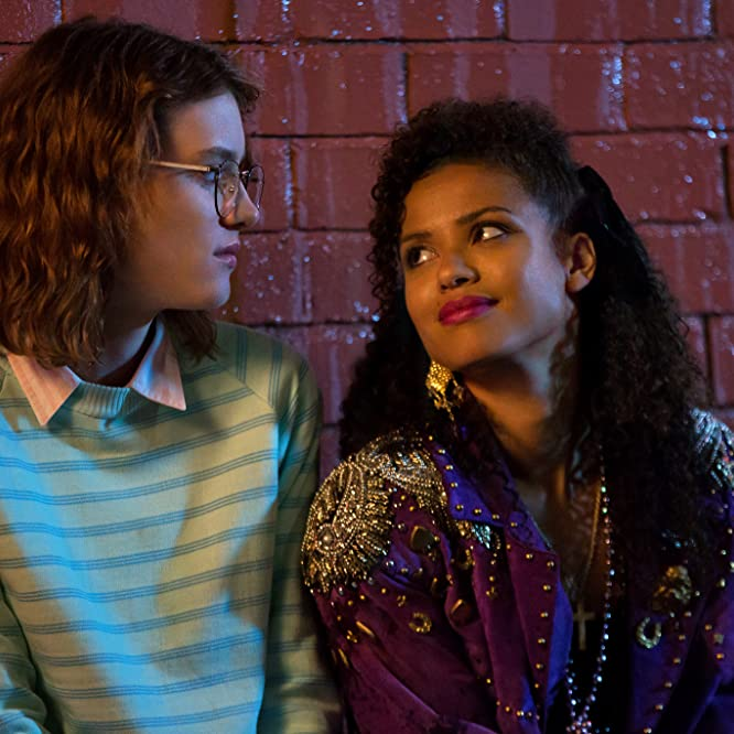 Gugu Mbatha-Raw and Mackenzie Davis in Black Mirror (2011)