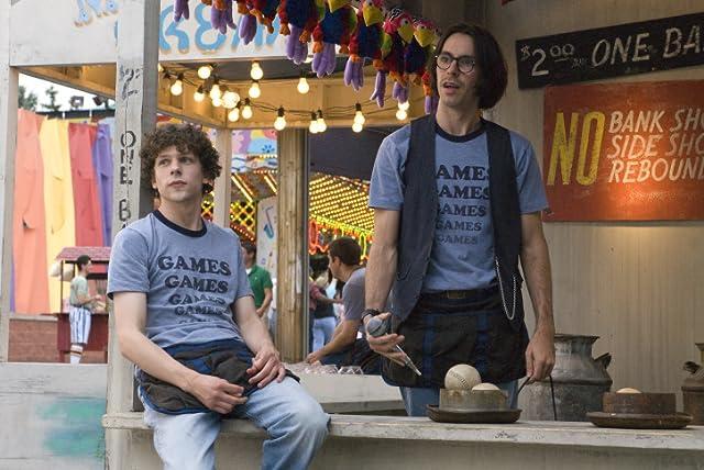 Jesse Eisenberg and Martin Starr in Adventureland (2009)
