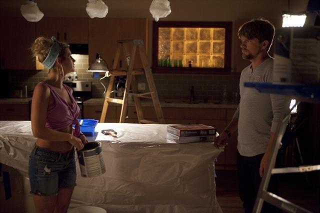 Elisha Cuthbert and Zachary Knighton in Happy Endings (2011)