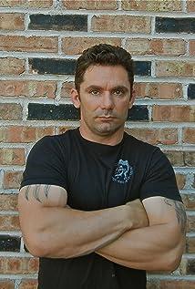 Aktori Aaron Crippen