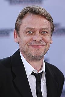 Aktori Sylvester Groth