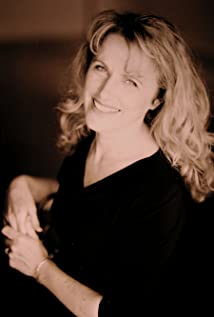 Marilyn Norry Picture