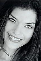 Alana De La Garza's primary photo