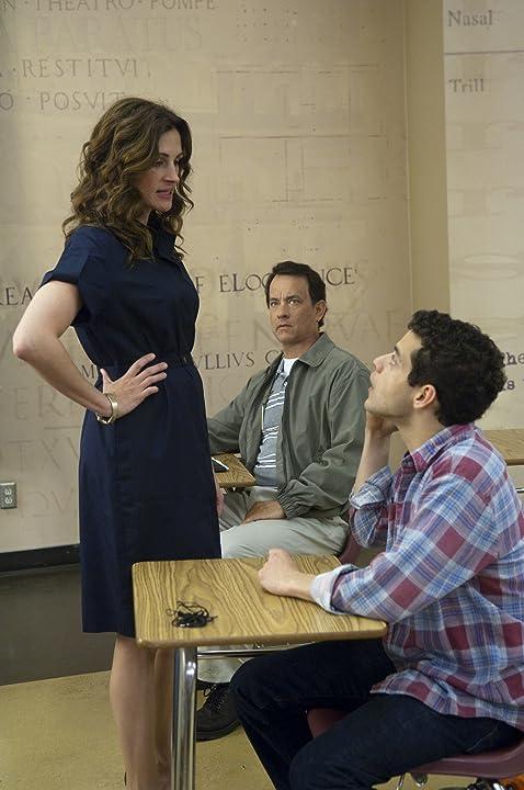 Tom Hanks, Julia Roberts, and Rami Malek in Larry Crowne (2011)