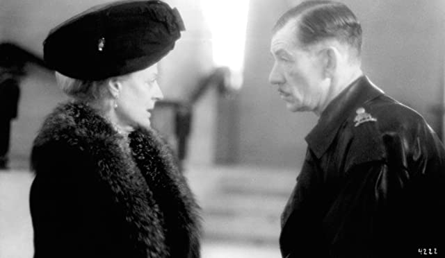 Maggie Smith and Ian McKellen in Richard III (1995)