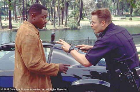 Martin Lawrence and Steve Zahn in National Security (2003)