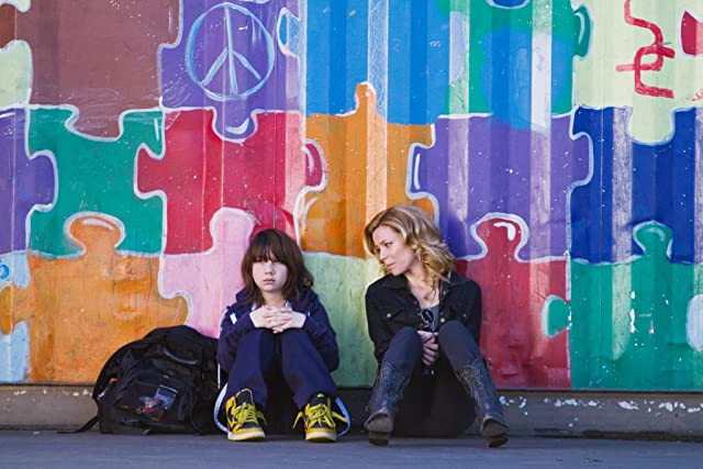 Still of Elizabeth Banks and Michael Hall D'Addario in People Like Us
