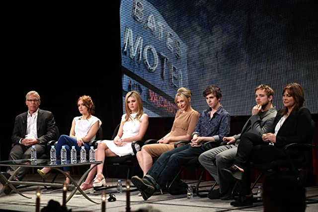 Carlton Cuse, Kerry Ehrin, Vera Farmiga, Freddie Highmore, Max Thieriot, Nicola Peltz, and Olivia Cooke at an event for Bates Motel (2013)