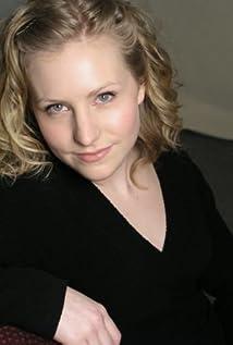 Aktori Leigh Enns