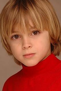 Aktori Jackson Bond