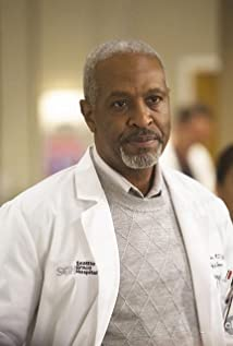 Aktori James Pickens Jr.