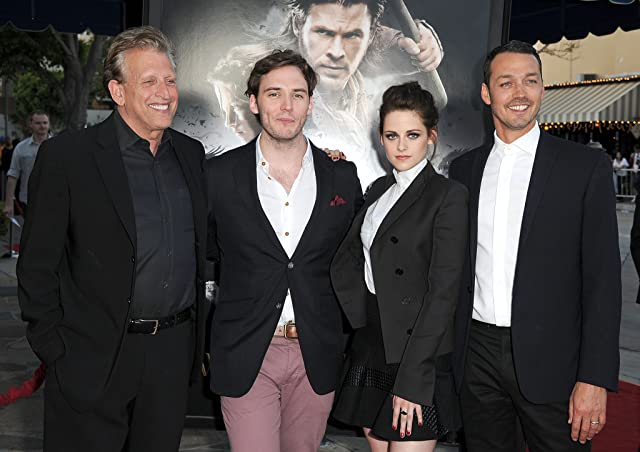 Joe Roth, Kristen Stewart, Rupert Sanders, and Sam Claflin at Snow White and the Huntsman (2012)