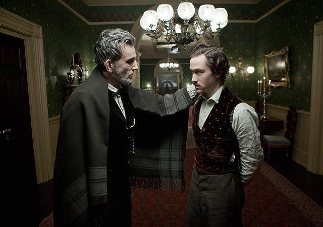 Daniel Day-Lewis and Joseph Gordon-Levitt in Lincoln (2012)