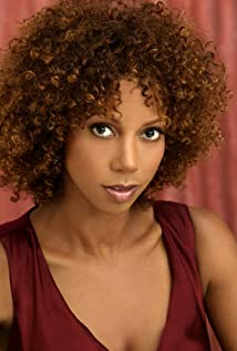 Holly Robinson Peete Picture