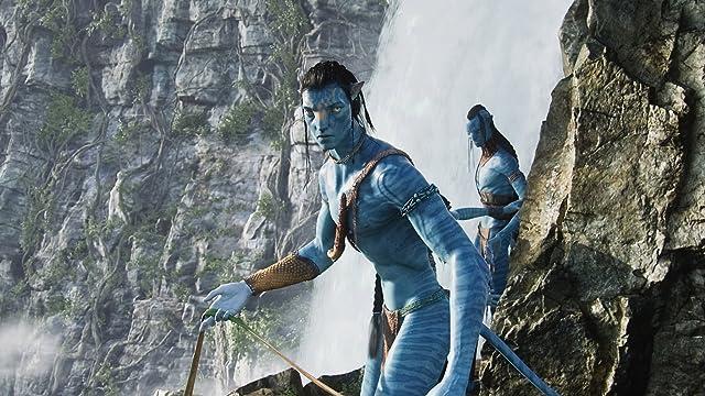 Laz Alonso and Sam Worthington in Avatar (2009)