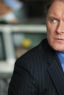 Aktori Robert Glenister