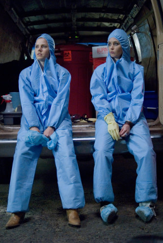 Amy Adams and Emily Blunt in Sunshine Cleaning (2008)