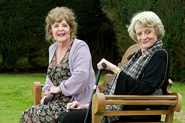 Maggie Smith and Pauline Collins in Quartet (2012)