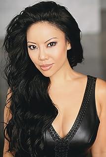 Gina Hiraizumi Picture
