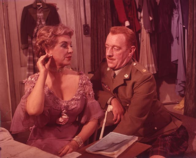 Alec Guinness and Kay Walsh in Tunes of Glory (1960)