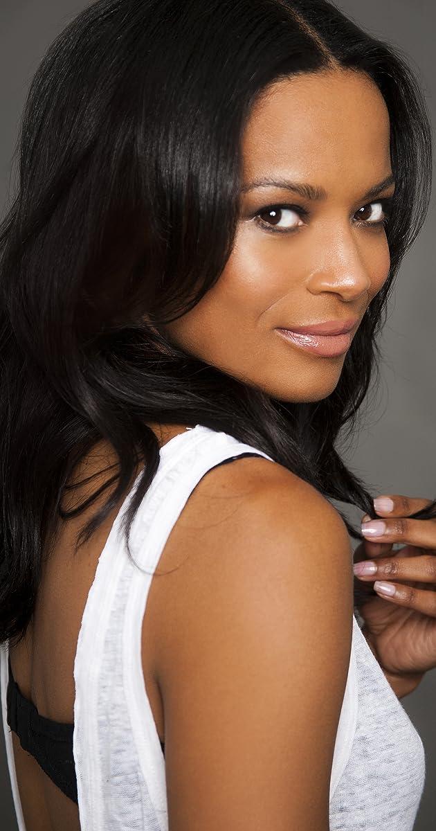 Schönheit Monique Woods fickt fußfetischisten auf der couch