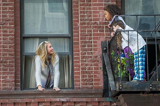 Cameron Diaz and Quvenzhané Wallis in Annie (2014)