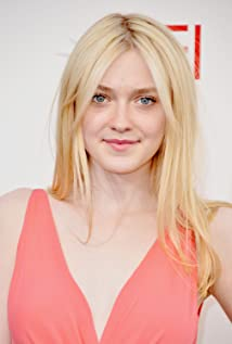 Dakota Fanning New Picture - Celebrity Forum, News, Rumors, Gossip