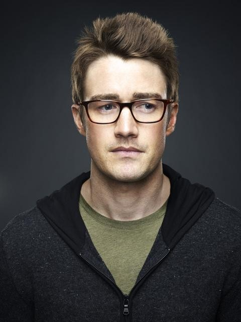 Robert Buckley in 666 Park Avenue (2012)