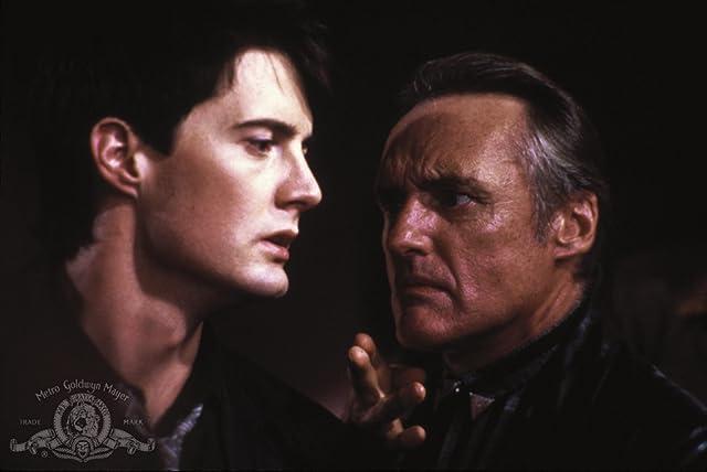 Dennis Hopper and Kyle MacLachlan in Blue Velvet (1986)