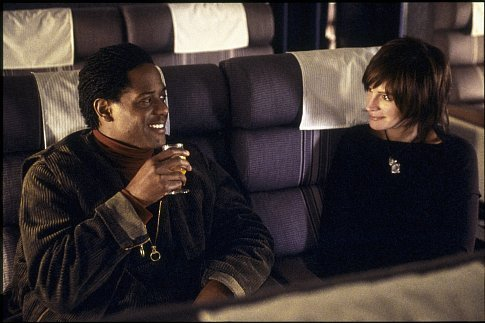 Julia Roberts and Blair Underwood in Full Frontal (2002)