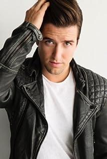 Logan Henderson Picture