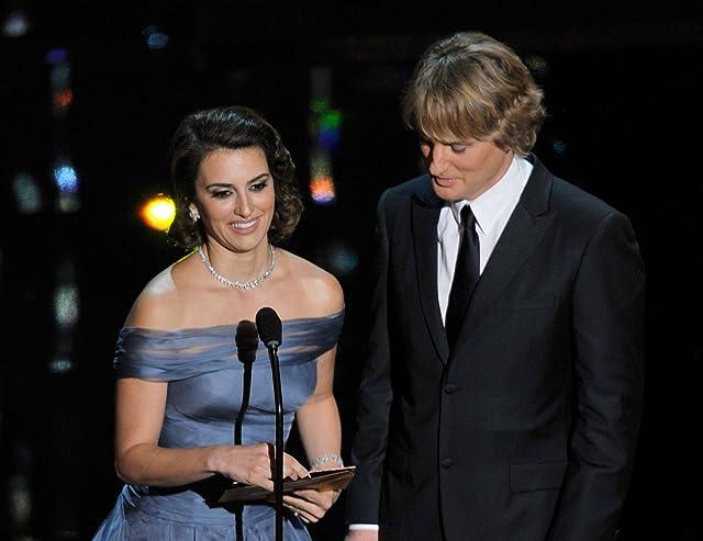 Penélope Cruz and Owen Wilson at The 84th Annual Academy Awards (2012)