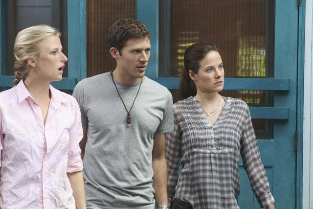 Caroline Dhavernas, Mamie Gummer, and Zach Gilford in Off the Map (2011)