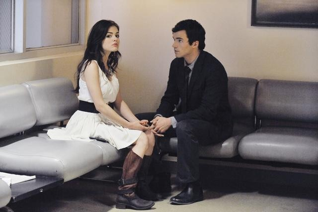 Lucy Hale and Ian Harding in Pretty Little Liars (2010)