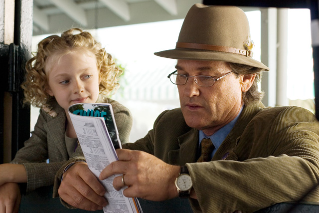 Kurt Russell and Dakota Fanning in Dreamer: Inspired by a True Story (2005)