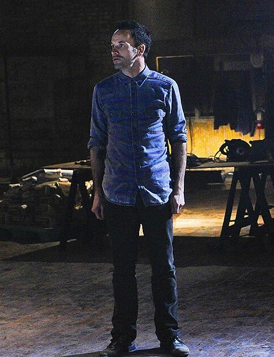 Jonny Lee Miller in Elementary (2012)