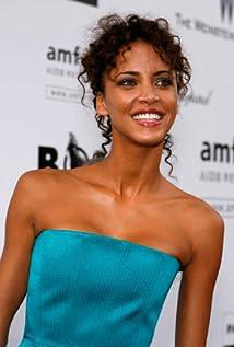 Aktori Noémie Lenoir