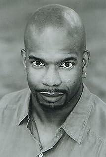 Aktori Ken Thomas