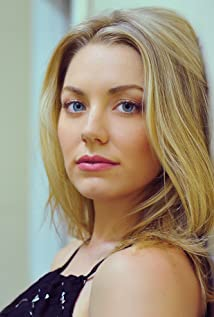 Aktori Sara Lindsey