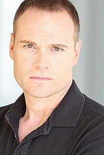 Aktori Damon Carney