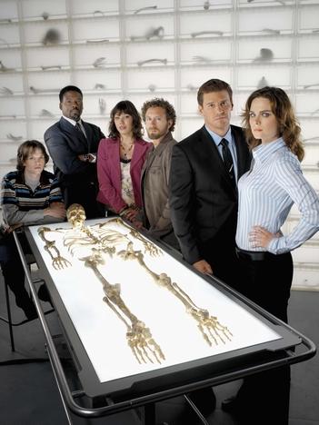 David Boreanaz, Jonathan Adams, Michaela Conlin, Emily Deschanel, T.J. Thyne, and Eric Millegan in Bones (2005)