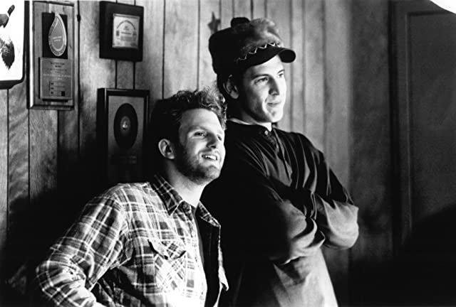 Michael Rapaport and Scott Rosenberg in Beautiful Girls (1996)