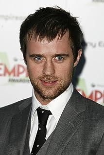 Aktori Jonas Armstrong