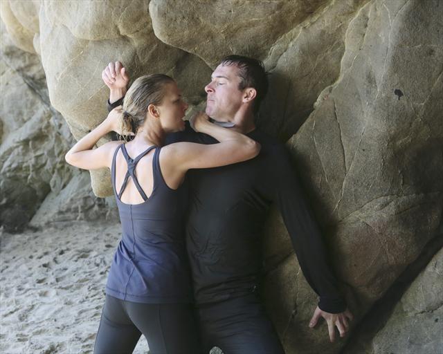 Emily VanCamp and Barry Sloane in Revenge (2011)