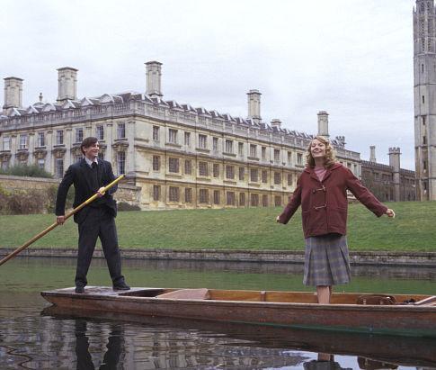 Gwyneth Paltrow and Daniel Craig in Sylvia (2003)