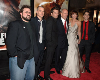 Bruce Willis, Kevin Smith, Justin Long, Timothy Olyphant, Mary Elizabeth Winstead, and Len Wiseman at an event for Live Free or Die Hard (2007)