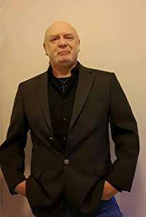Aktori Andrew Dawe-Collins