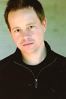 Aktori Joshua Harto