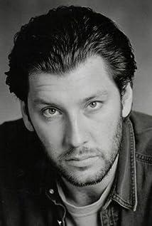 Aktori Brent Smiga