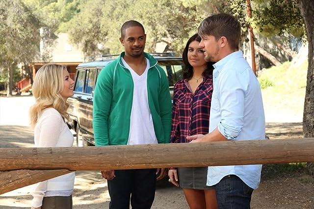 Elisha Cuthbert, Zachary Knighton, Damon Wayans Jr., and Casey Wilson in Happy Endings (2011)